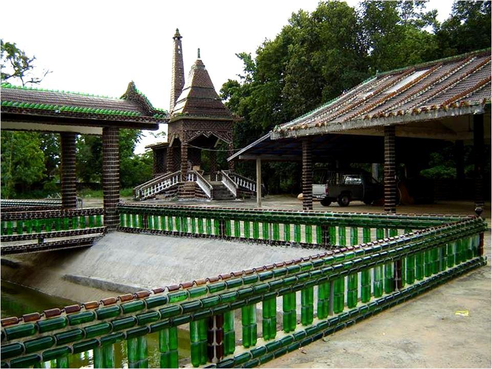 O templo de um milhão de garrafas
